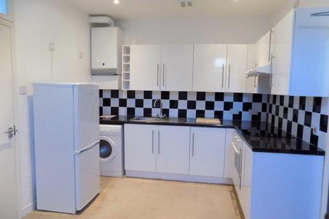 Studio to rent - Braddons Hill Road East, Torquay TQ1