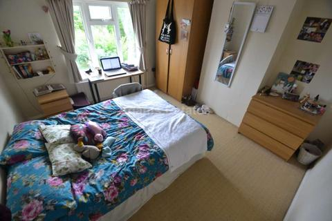6 bedroom semi-detached house to rent - Milton Road, Reading