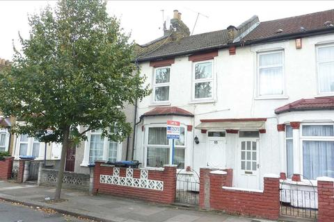 3 bedroom house to rent - Raynham Avenue, London