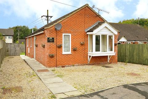2 bedroom detached bungalow for sale - Johnson Close, Dereham