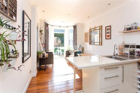 2 bedroom flat for sale - Linley Road, London, N17