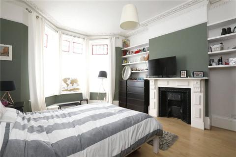 2 bedroom property to rent - Salford Road, London, SW2