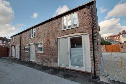 2 bedroom cottage to rent - Cross Keys Mews, Lairgate, Beverley