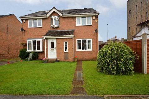 2 bedroom semi-detached house for sale - Richmond Close, Bramley/Stanningley Border, Leeds, West Yorkshire