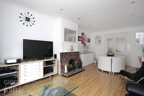 4 bedroom semi-detached house for sale - Cowridge Crescent, Luton, Bedfordshire, LU2