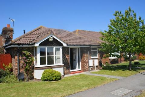2 bedroom detached bungalow to rent - Gateley Avenue, Blyth
