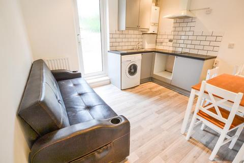 1 bedroom flat for sale - Hendon Way, London, London, NW2 2LY
