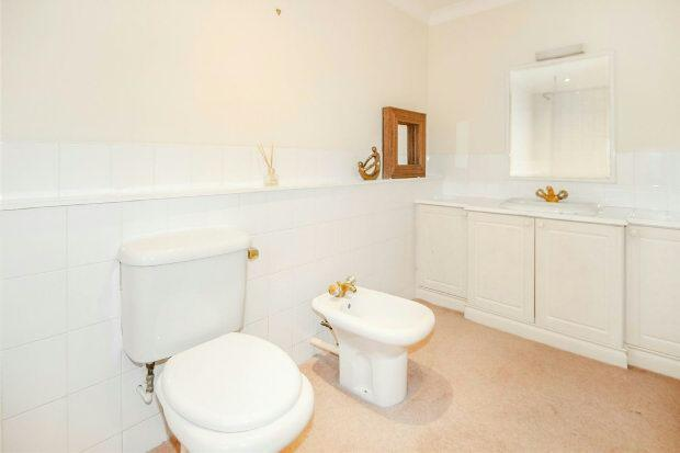En Suite Bathroom 2