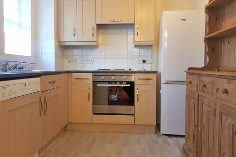 2 bedroom flat to rent - Florey Gardens, , Aylesbury