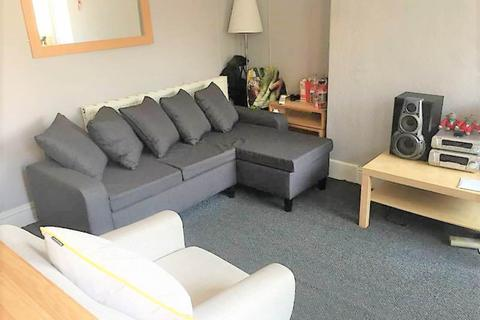 1 bedroom house share to rent - Woodside Place (Room 4), Burley, Leeds