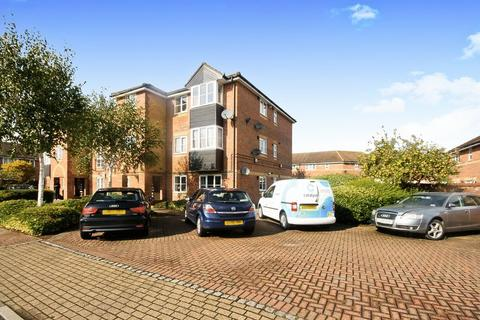 2 bedroom flat for sale - Lowden Road, Southall