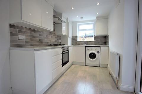3 bedroom terraced house to rent - Darwin Road, Wood Green