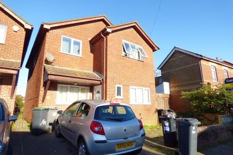 5 bedroom detached house to rent - STUDENTS, Cardigan Road, Winton, Bournemouth