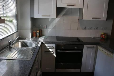 1 bedroom property to rent - Armoury Road