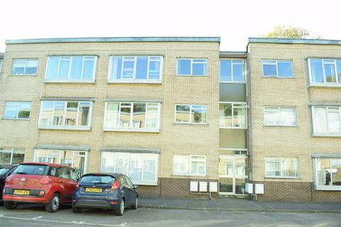 2 bedroom flat for sale - Long Oaks Court, Sketty