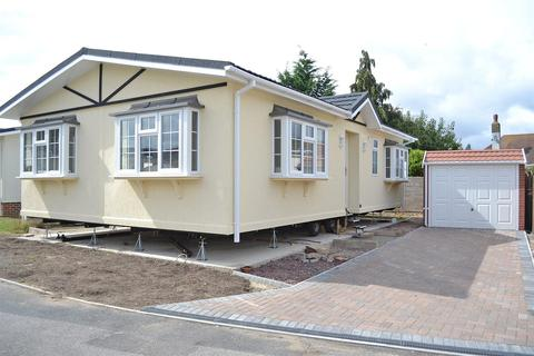2 bedroom park home for sale - Stour Park, New Road, Northbourne, Bournemouth