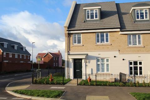 3 bedroom semi-detached house for sale - Brooke Way, Stowmarket, Suffolk, IP14