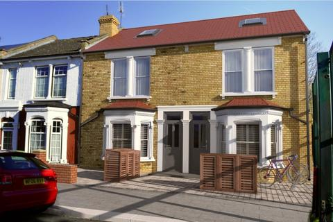 4 bedroom terraced house for sale - Whitworth Road, London, SE18