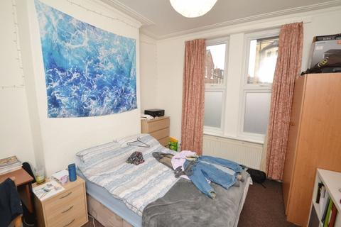 3 bedroom house to rent - Rippingham Road