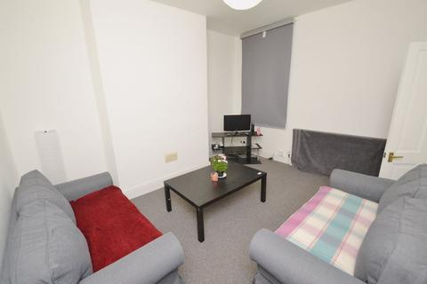 3 bedroom house to rent - Rippingham Road, Manchester