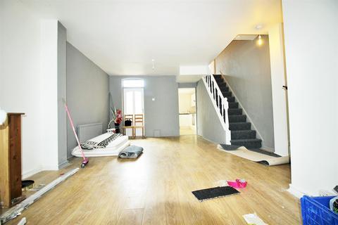 3 bedroom house to rent - Pretoria Road North, London