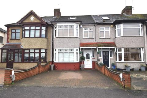 3 bedroom terraced house for sale - Barton Avenue, Romford