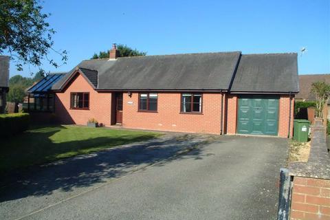 3 bedroom bungalow to rent - Dolhyfryd, 7, Clos Yr Efail, Trefeglwys, Caersws, Powys, SY17