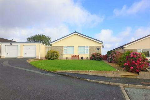 3 bedroom detached bungalow for sale - Highfield Park, Narberth, Pembrokeshire