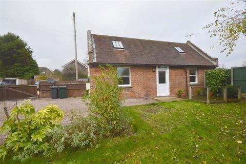 2 bedroom detached house to rent - Ruckinge Road, Ashford, Kent