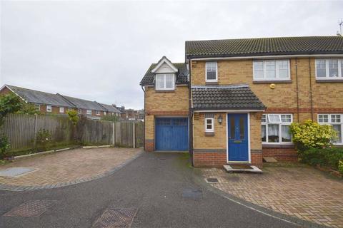 3 bedroom semi-detached house to rent - Gordon Close, Ashford, Kent