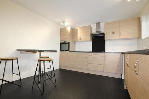 3 bedroom flat to rent - St. James Close, Southampton