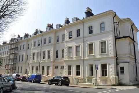 Studio to rent - Norfolk Terrace, Brighton, BN1 3AD