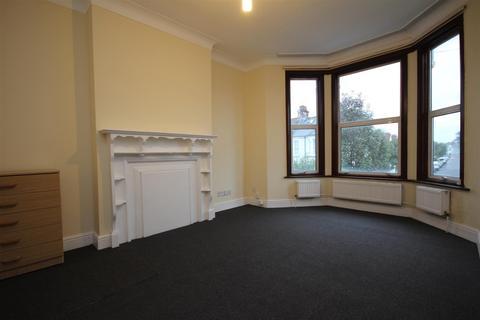 4 bedroom flat to rent - Leghorn Road, Willesden, NW10 4PHJ