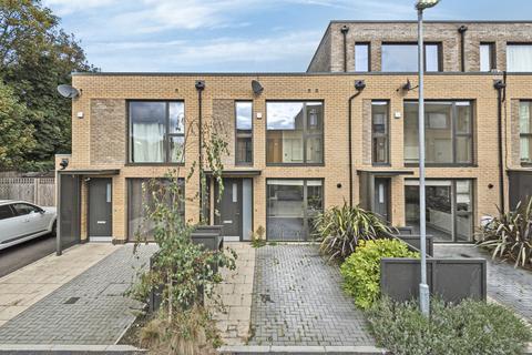 3 bedroom terraced house for sale - Storer Drive Welling DA16