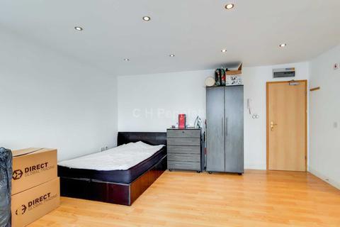 Studio to rent - Islip Street, Kentish Town, NW5