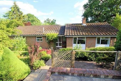 3 bedroom detached bungalow for sale - Hook Hill Lane, Woking, GU22