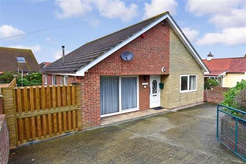 3 bedroom detached bungalow for sale - Coast Drive, Greatstone, New Romney, Kent