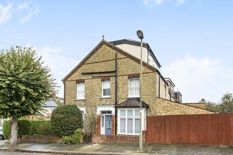 4 bedroom end of terrace house for sale - Macdonald Road, Friern Barnet