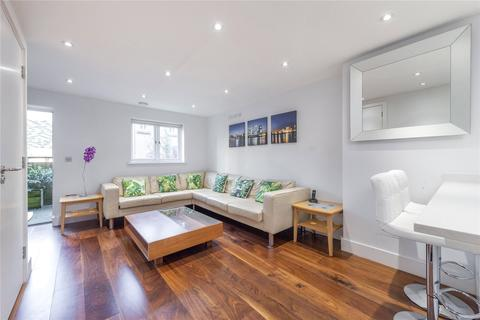 5 bedroom terraced house to rent - St. Davids Square, London