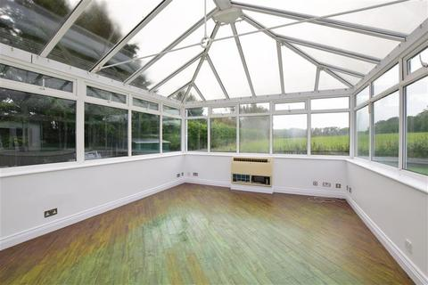 4 bedroom detached bungalow for sale - Croydon Lane, Banstead, Surrey