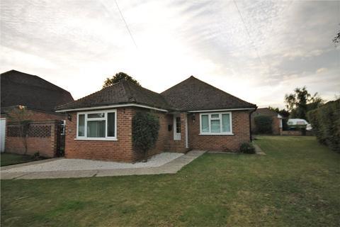 3 bedroom bungalow for sale - Western Avenue, Egham, Surrey, TW20