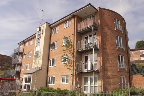 1 bedroom flat to rent - St Hughs Avenue, High Wycombe, Bucks, HP13 7TZ