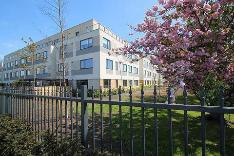 2 bedroom flat to rent - West Plaza, Town Lane, Stanwell, TW19