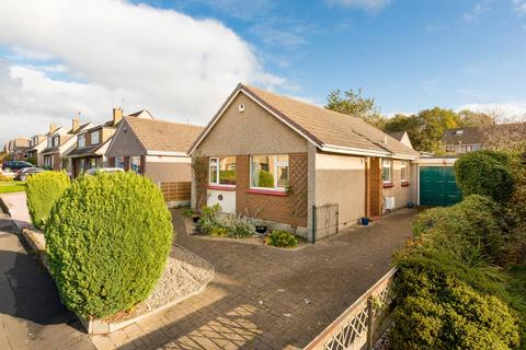 2 bedroom detached bungalow for sale - 30 Nether Currie Crescent, Currie, EH14 5JG