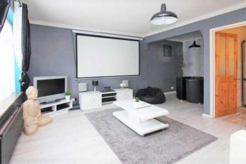 2 bedroom semi-detached house to rent - Lodge Hill, Welling