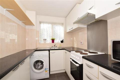 1 bedroom ground floor flat for sale - Trotwood, Chigwell, Essex