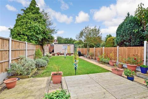 3 bedroom semi-detached house for sale - Dawes Avenue, Hornchurch, Essex