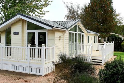 2 bedroom lodge for sale - Far Grange Holiday Park, East Yorkshire