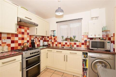 3 bedroom end of terrace house for sale - Vlissingen Drive, Deal, Kent