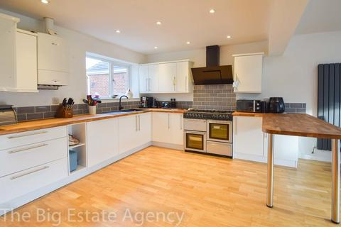 3 bedroom bungalow for sale - Overleigh Drive, Buckley, CH7